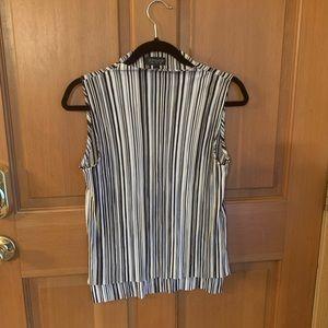 Top shop sleeveless shirt